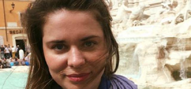В Париже до кровавого месива избили любительницу георгиевских ленточек из РФ