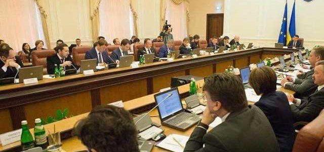 Министр Омелян принялся сводить счеты с неугодными прямо на заседании Кабмина