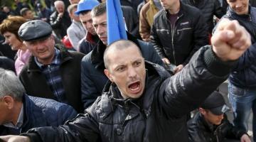 «Активисты на заказ». Как работает «патриотическая» бизнес империя в Украине