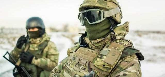 В Энергодаре, на детском празднике, спецназовцы показали, как перерезать горло противнику