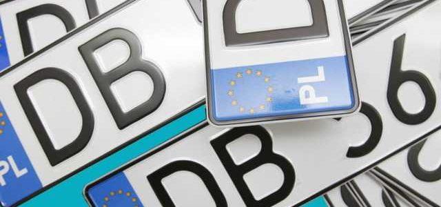 Полиция будет забирать машины на «евробляхах» на штрафплощадку: стали известны нововведения