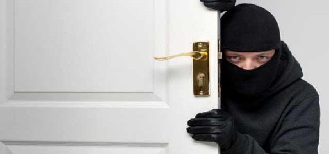 В Одессе охранная фирма приехала на вызов и не заметила домушников