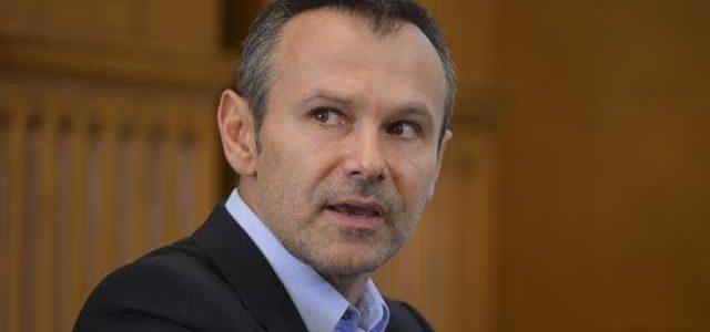 Вакарчук жестко высказался об обещаниях скорой победы на Донбассе