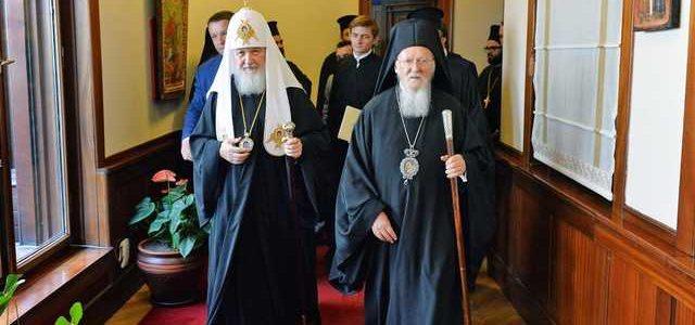 Великий раскол: два старца — Варфоломей и Кирилл в ближайшие дни предадут друга друга анафеме