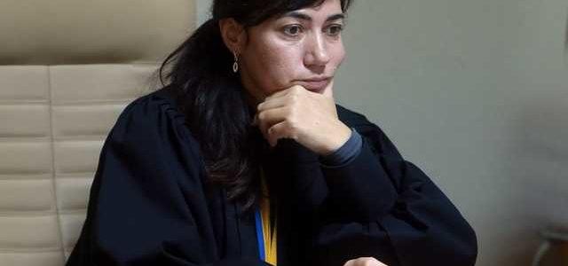 Судью отказавшуюся сажать Саакашвили отстранили от должности