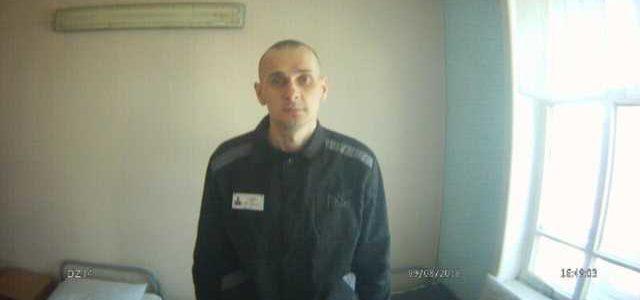 «Пригрозили из него сделать овощ»: Адвокат Сенцова рассказал, почему он прекратил голодовку