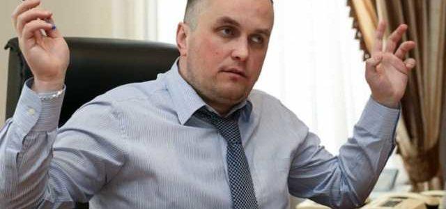 Зарплата Холодницкого за декабрь выросла до 354 тыс. грн