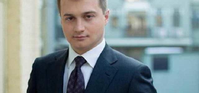 Соратник Порошенко заявил, что штабы президента законно собирают данные избирателей