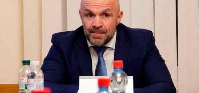 Мангер будет доставлен в Печерский райсуд Киева для избрания меры пресечения, по месту его жительства проходят обыски, – Сарган