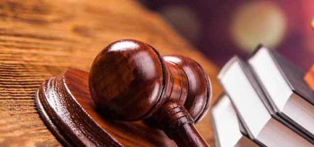 Через суд 62% уволенных чиновников восстанавливаются в должности