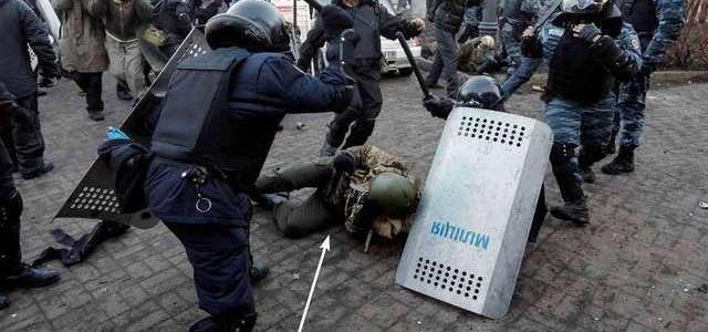 В Украине разгорелся скандал с полковником Пилипенко, который избивал майдановцев