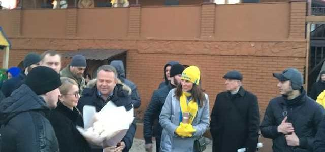 Под Киевом на тур Тимошенко привезли пенсионеров в десяти автобусах – активисты