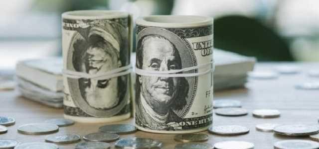 Украинцы начали скупать валюту перед выборами